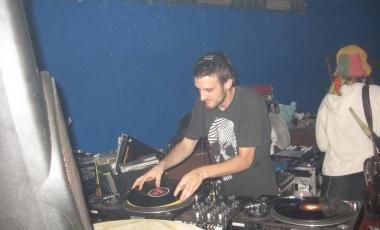 2009-09-electrodirtyparty-009