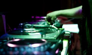 2012 Electro VS Trance-1
